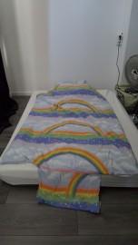 Een nachtje slapen op de grond (met het kinderdekbed van broerlief)